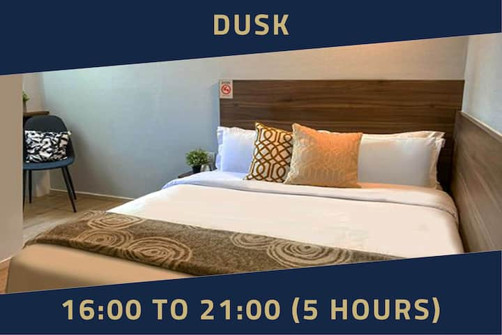 Double Room with Window, 5 Hours: 4PM-9PM in Bugis