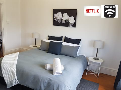 Goulburn Central Citizen - WIFI, Linen & Netflix