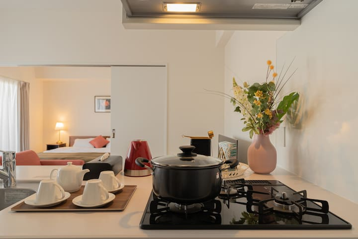★New open apartment with kitchen★ ~King room~