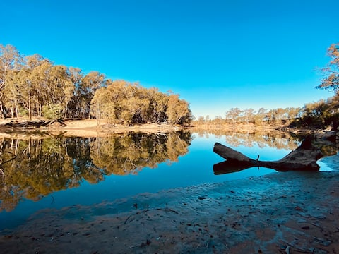 River Retreat on the banks of the Murray