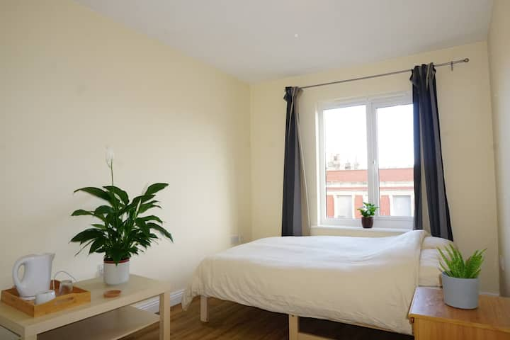 Spacious Double near City Centre & Temple Meads