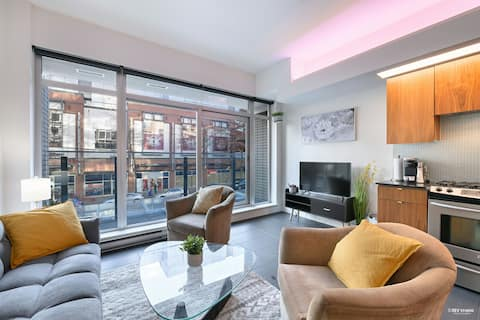 ★Spacious Cozy 2 bed Loft★ at Gastown with Prking