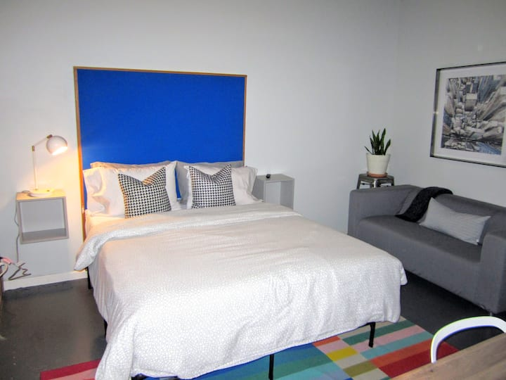✦Downtown Hotel Style Loft for 2✦Price is Right✦