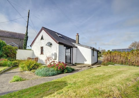 Cosy cottage in a rural Pembrokeshire village