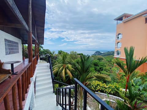 ★Central MA★Amazing ocean view★Private balcony