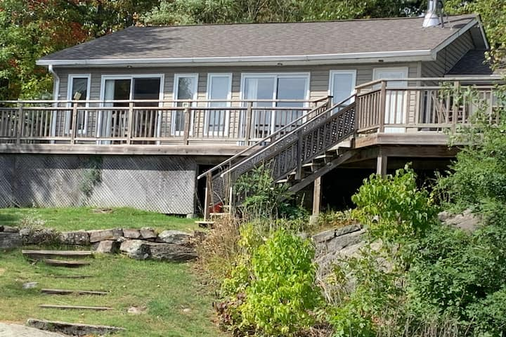 Private waterfront Cottage Port Severn
