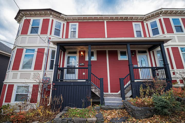 Waterford River House, 3 BR 2.5 BA Private Parking