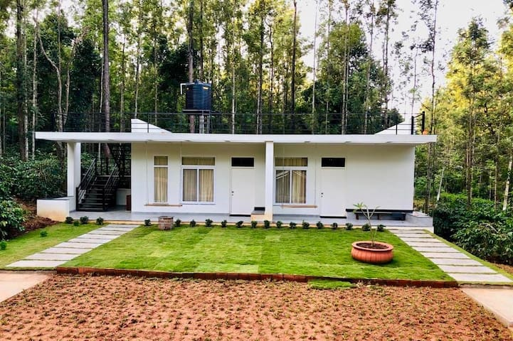 Livingston homestay(Entire building)in Chikmagalur