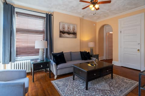 ♥The Suite Spot Downtown York | WiFi | Parking♥