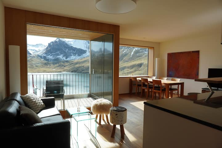 Exclusive apartment with lake view  Melchsee-Frutt