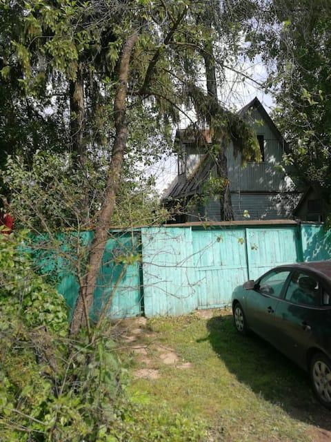 Topla kuća sa saunom 20 km od MKD u Zhavoronki.