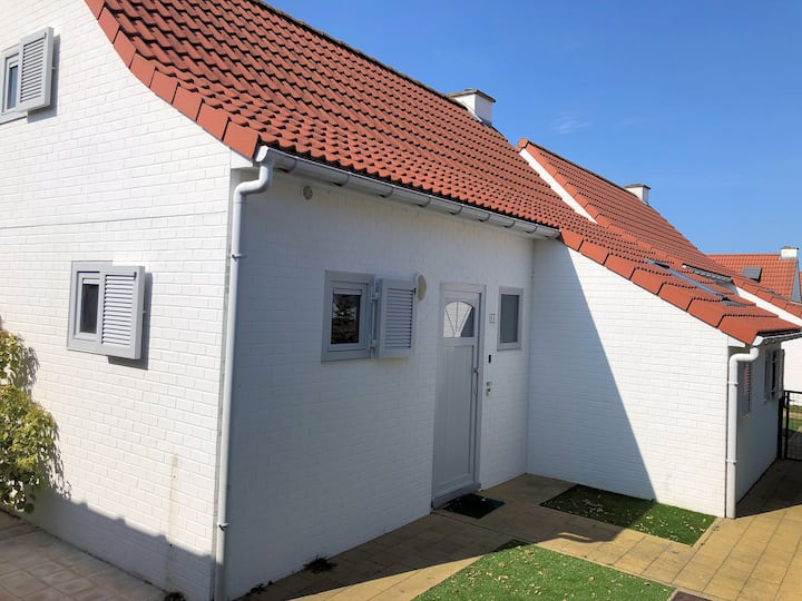 Holiday house 63 by the sea - De Haan (6p)+Parking