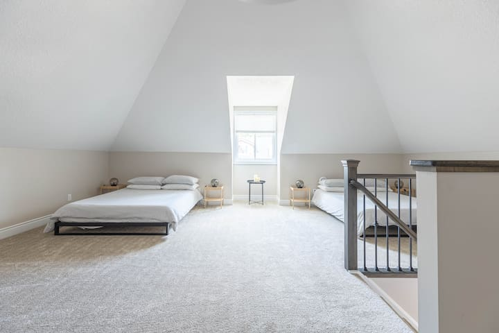 Bedroom 2 in the attic - Two Queen size beds with memory foam mattress and extra pillows for your comfort