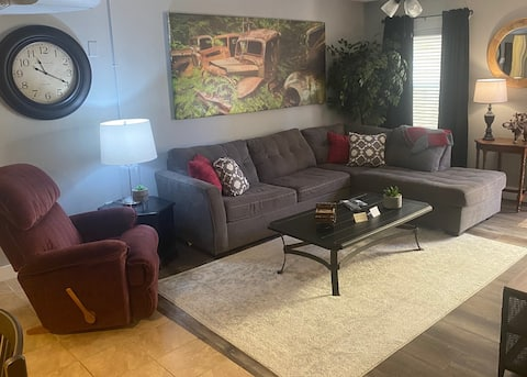 Very Nice 2 Bedroom Apartment / MPG Suite One