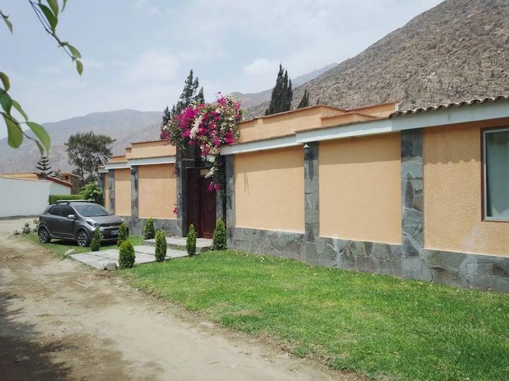 Casa de Campo   en Club Santa Rosa de Quives !!