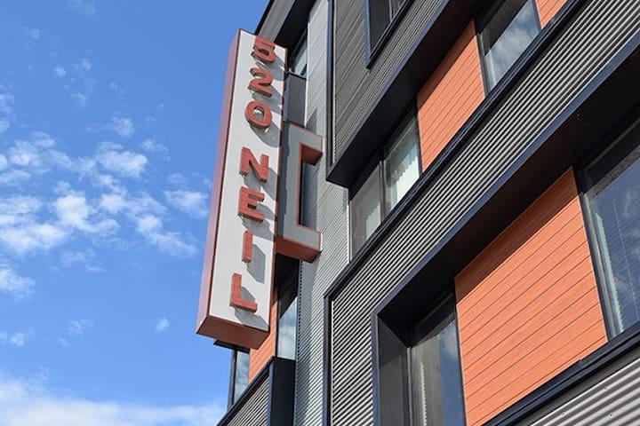 520 Neil, 1 Bedroom & Office Space