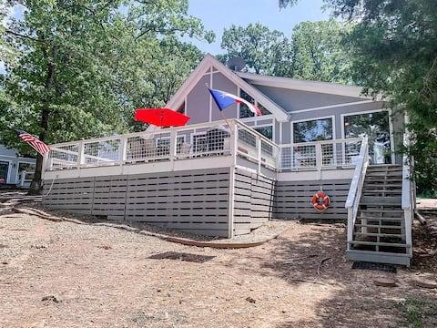 Clancy's Canoe: Lakefront Cypress Springs + Slip