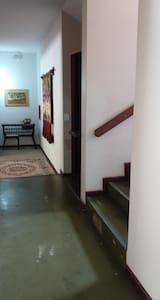 Luz automática nas escadas.