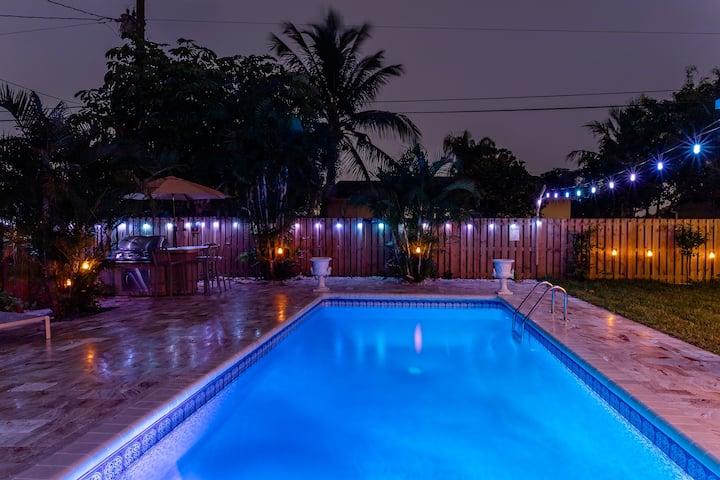Most Stylish Pool Home In Boynton Beach!Great Area
