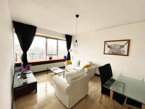 Amazing view 2-bedrooms flat near Blaak with lifts