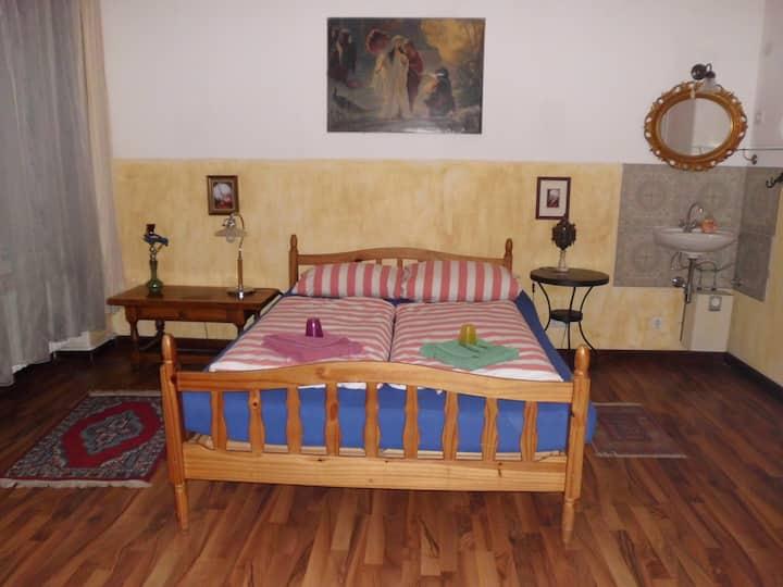3 Bett-Zimmer im Berliner bed and breakfast