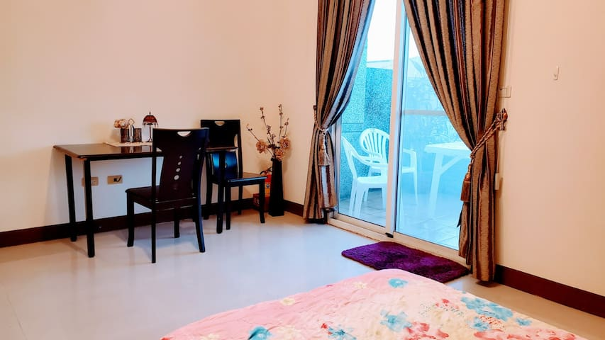 2 km from Taitung Station (Single Room)