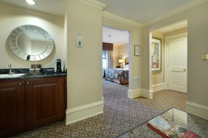 The Pfister Hotel King Salon Suite