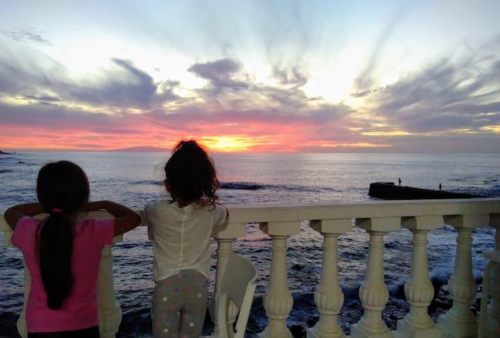 Sunset in the Atlantic 1.2 Playa de Alojera