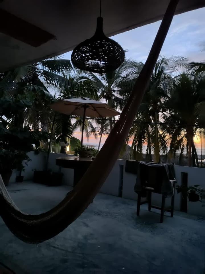 Cabaña c terraza y vista al surf spot más famoso