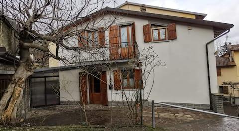 Уютный дом с 3 спальнями в Firenzoula рядом с Mugello