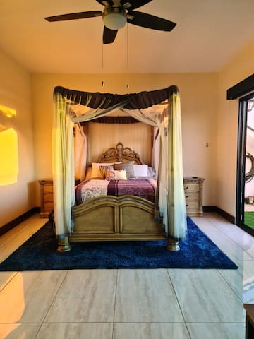 Queen bed with Westin mattress and pillow top - ocean/island view