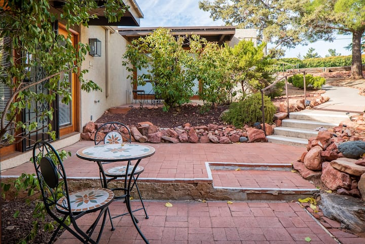 Peaceful Casita in the Heart of West Sedona