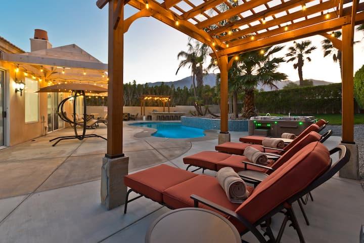 Modern Spacious Villa W/Pool Spa and Full BBQ Area
