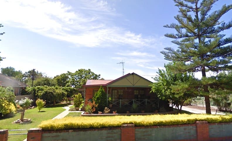 Nagambie home with a view in the heart of town