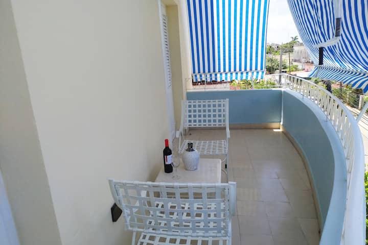 Very central apartment in Vedado. Havana (wifi)
