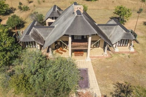7 Bedroom Safari Lodge on Golf Course with Spa