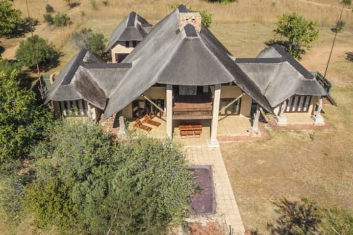 7 Bedroom Safari Lodge on Golf Course with Spa