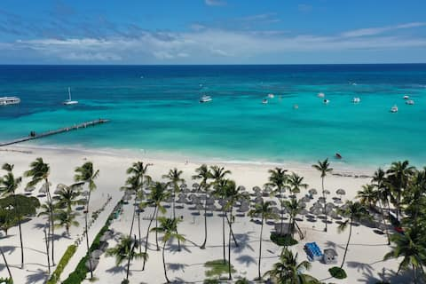 YOUR BEST BEACH VACATION , CLOSE TO EVERYTHING! A1