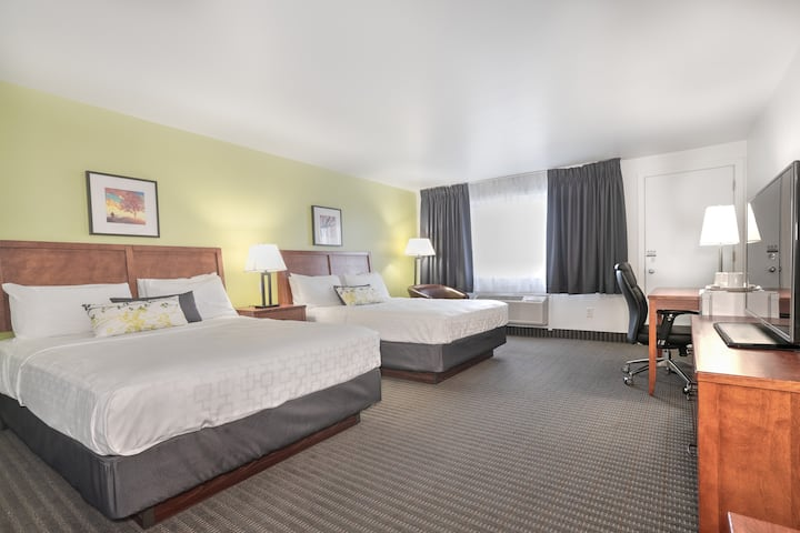 Chambre confortable 2 lits - Accès piscine et gym