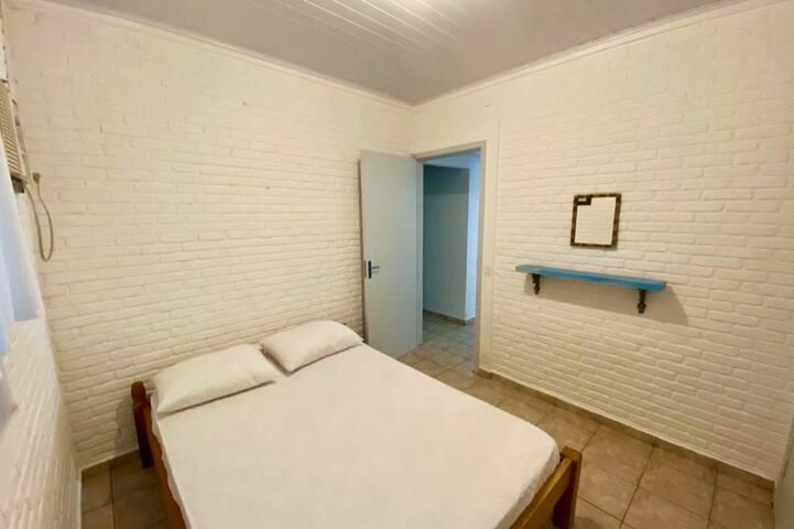 Quarto 4: cama de casal