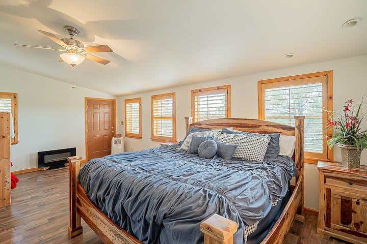 The very spacious upstairs bedroom with king size bed also has room to spare for a twin bunk bed with pull out trundle.