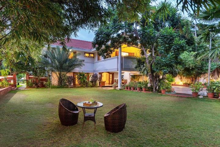 Dwaraka Inn 6BR pet friendly pvt pool villa+garden