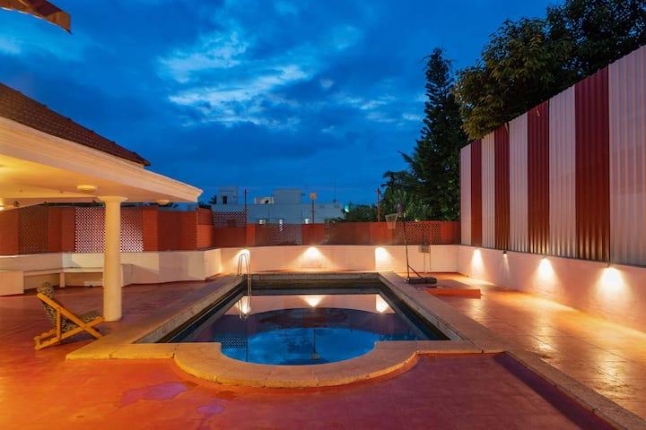 Dwaraka Inn 3BR  villa with pool and indoor games