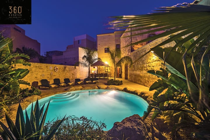 """""""The Special ONE"""" A beautiful 3BR VILLA with Pool☀️"""