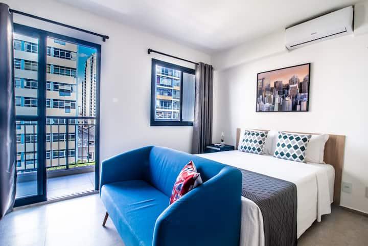 Apartamento Novinho com Cooktop, Sacada & Wi-Fi 5G