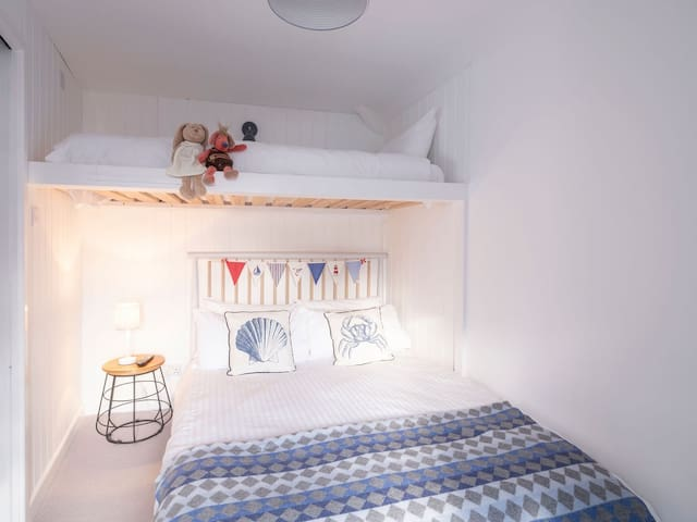 Double Room with Single Bunk