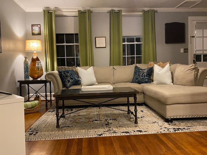 Charming 3 br 2 ba Carytown /Museum District /VMFA