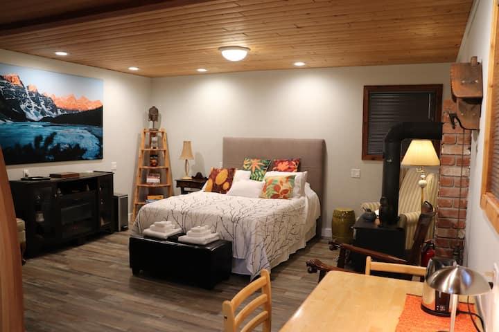 Studio Room on Three Acres
