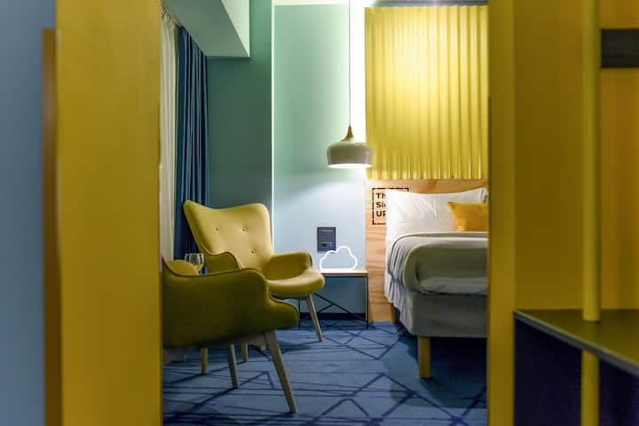 MILLENNIAL BLUE | Aviatiei Business Hotel Apt