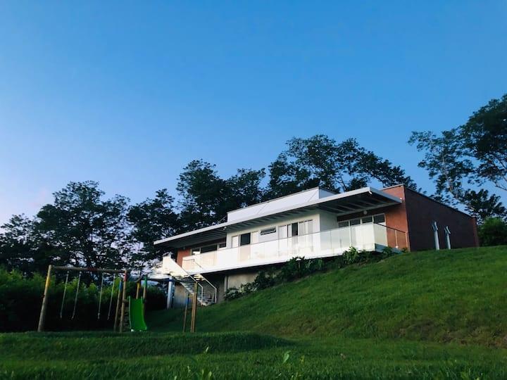 Hermosa casa campestre cerca Manizales